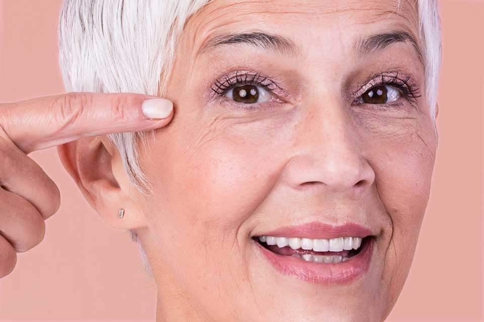 mejor contorno de ojos 50 años