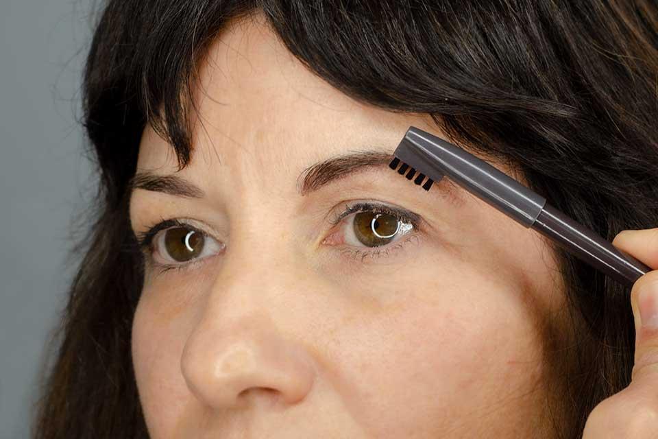 Consejos para conseguir unas cejas perfectas:  Peinado de Cejas